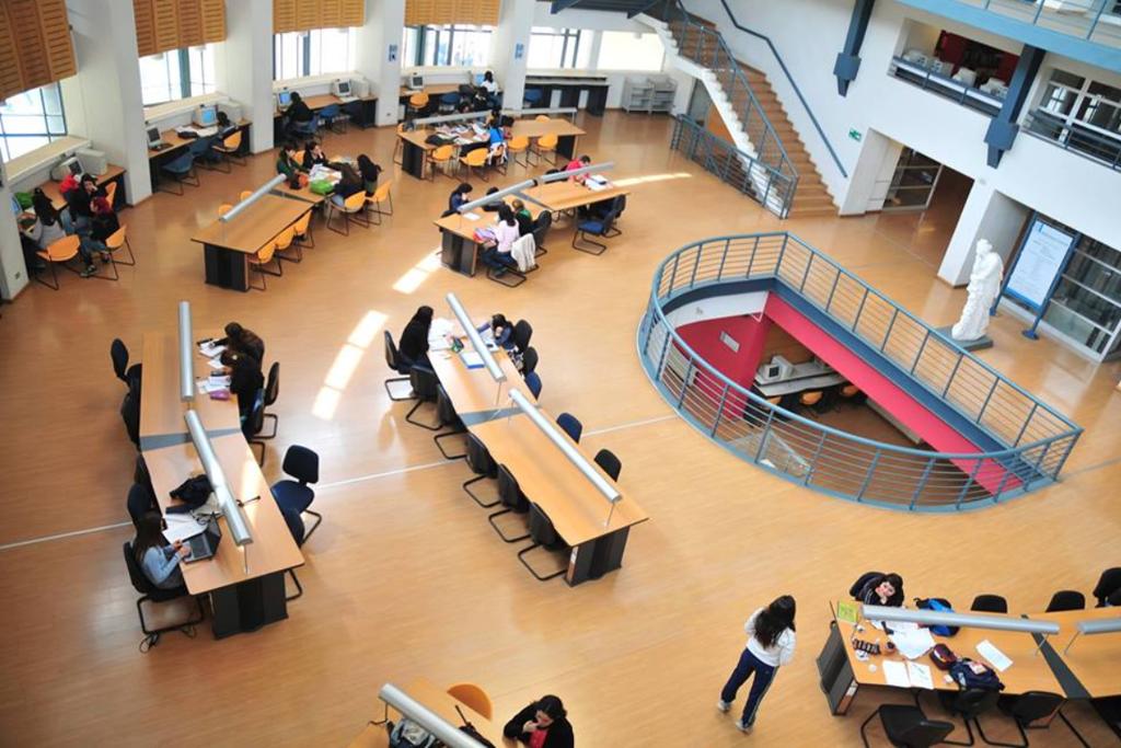 Biblioteca Universitária no Chile: país da América do Sul com melhores resultados educacionais